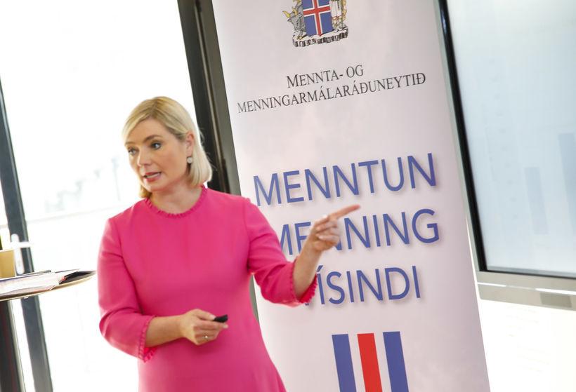 Lilja Alfreðsdóttir mennta- og menningarmálaráðherra segist vilja læra af reynslu ...