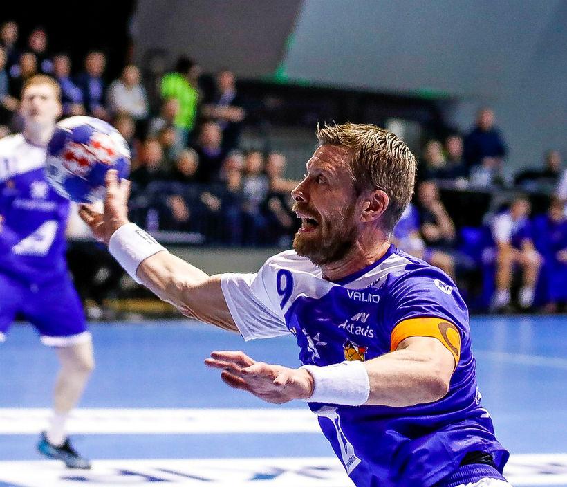 Guðjón Valur Sigurðsson skoraði 6 mörk gegn Barcelona í kvöld.
