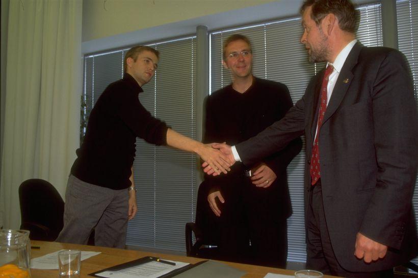 Árið 1999 fylgdist Skúli með þeim Finni Beck og Páli ...