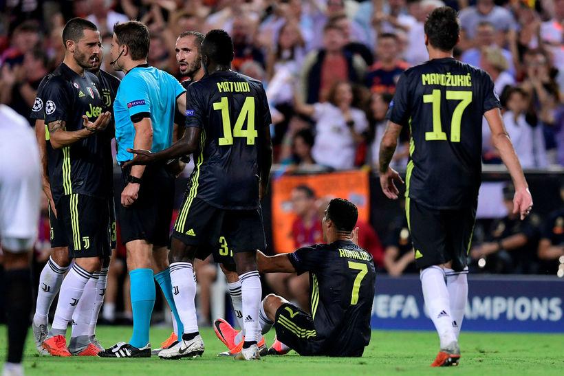 Cristiano Ronaldo fékk að líta beint rautt spjald í leik ...