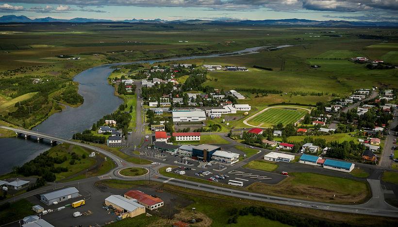 Hella á Rangárvöllum er stærsti þéttbýlisstaður Rangárþings ytra. Þangað sækja ...