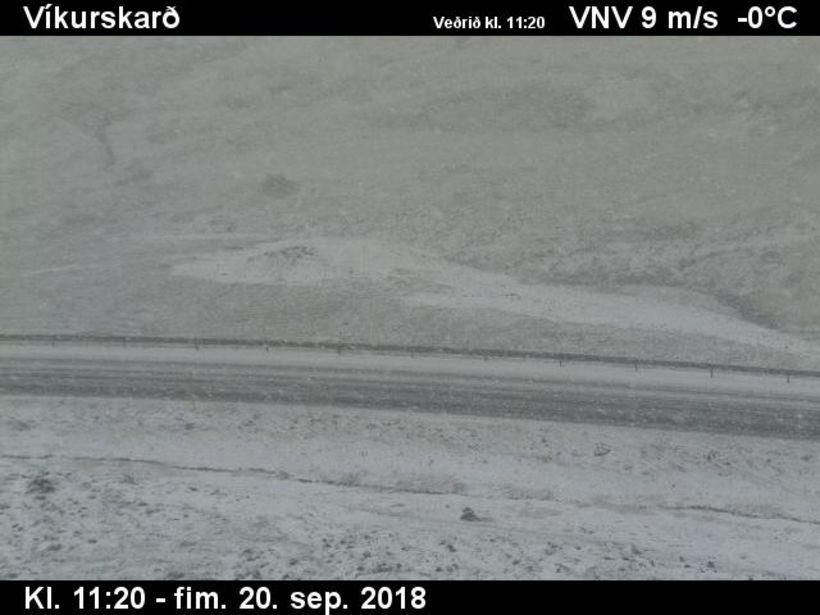 Svona er umhorfs í Víkurskarði að því er sjá má ...