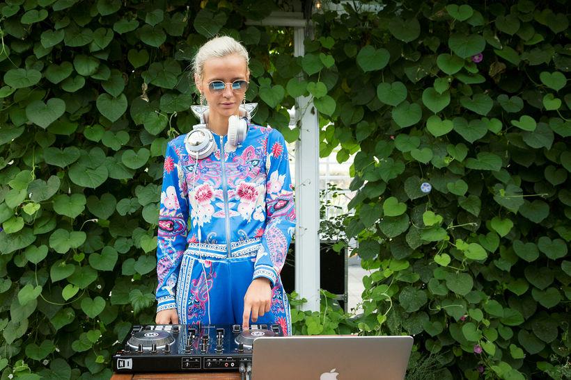 DJ Dóra Júlía sá um að halda uppi fjörinu.