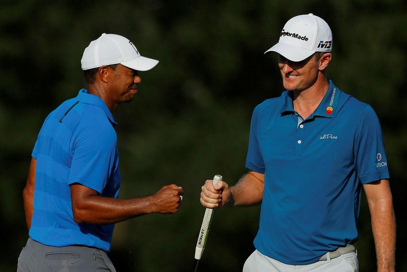 Tiger Woods og Justin Rose í gírnum á hringnum í ...