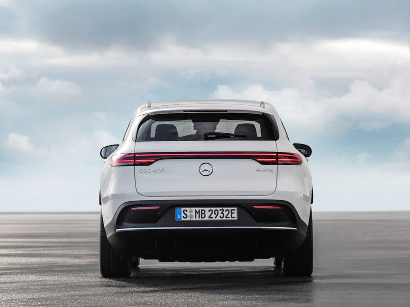 Mercedes-Benz EQC 400 kemur á götuna 2020. Hann verður fyrstur ...