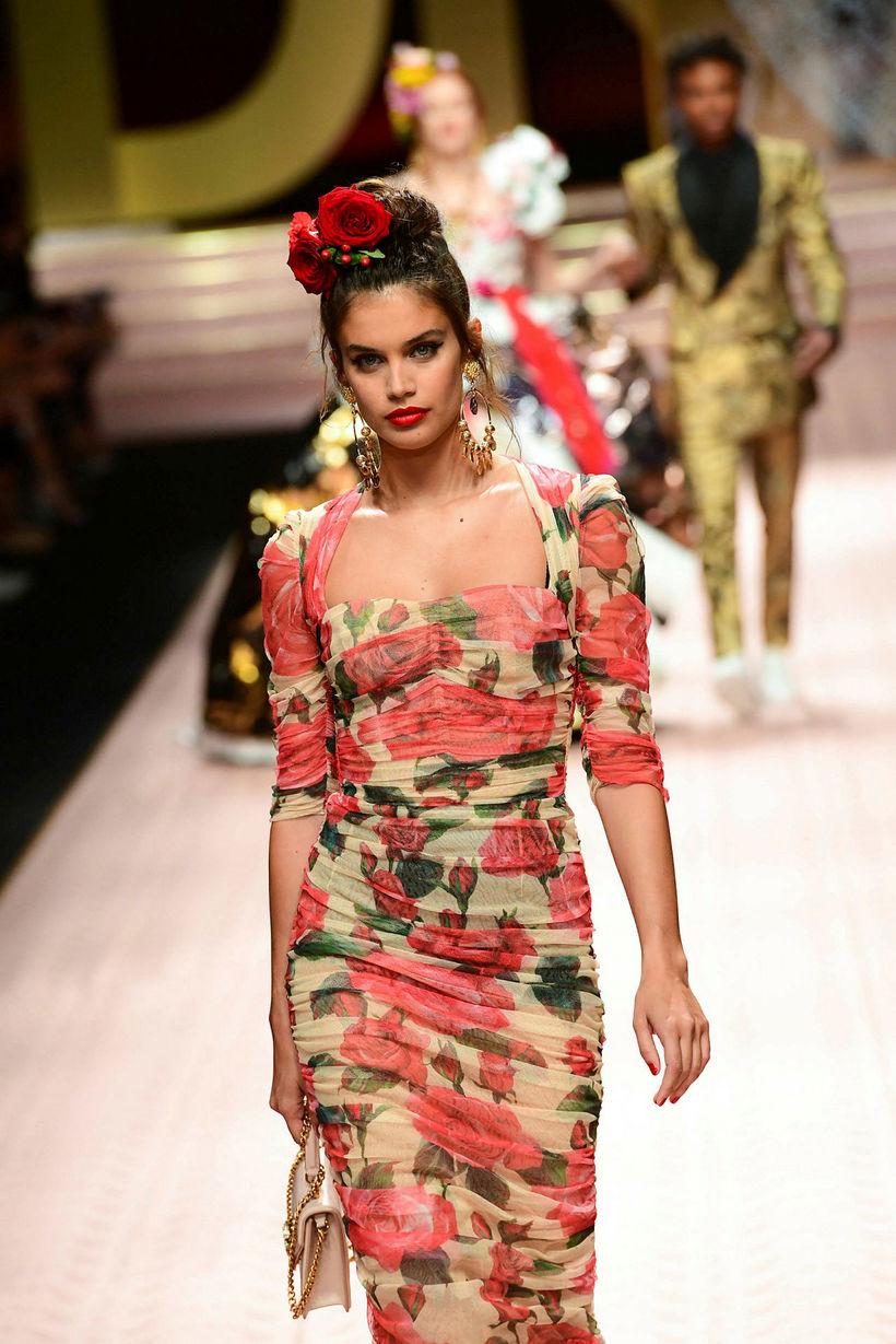 Sara Sampaio á sýningu Dolce & Gabbana.