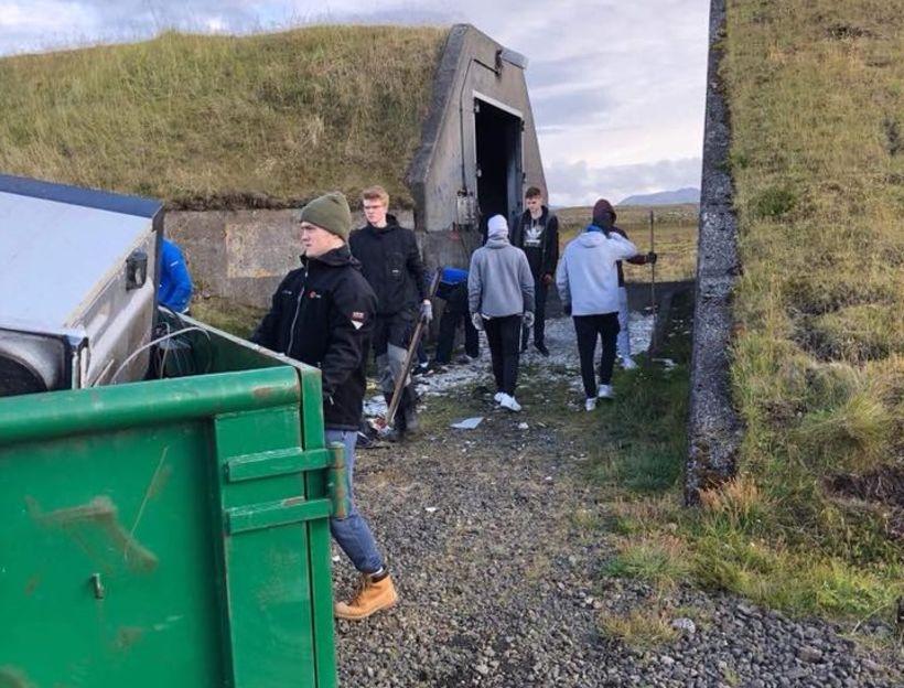 23,3 tonn af rusli verða send til förgunar. Aðallega var ...