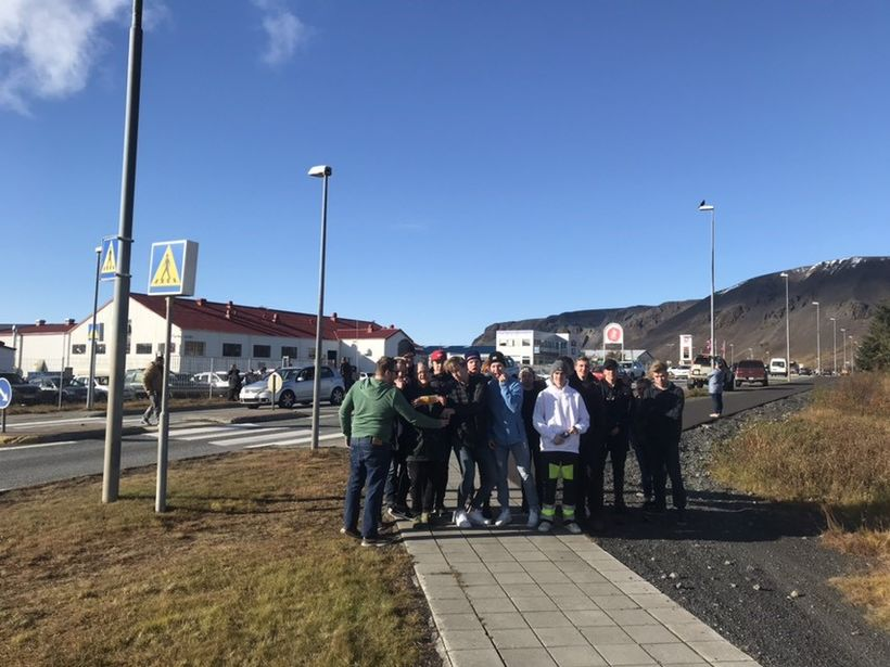 A group of Icelandic teenagers armed with SS sausages protest ...