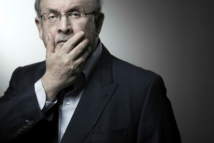 Salman Rushdie er höfundur Söngva Satans.