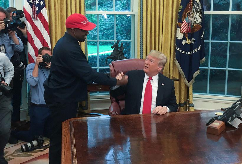 Kanye West og Donald Trump í Hvíta húsinu í dag.