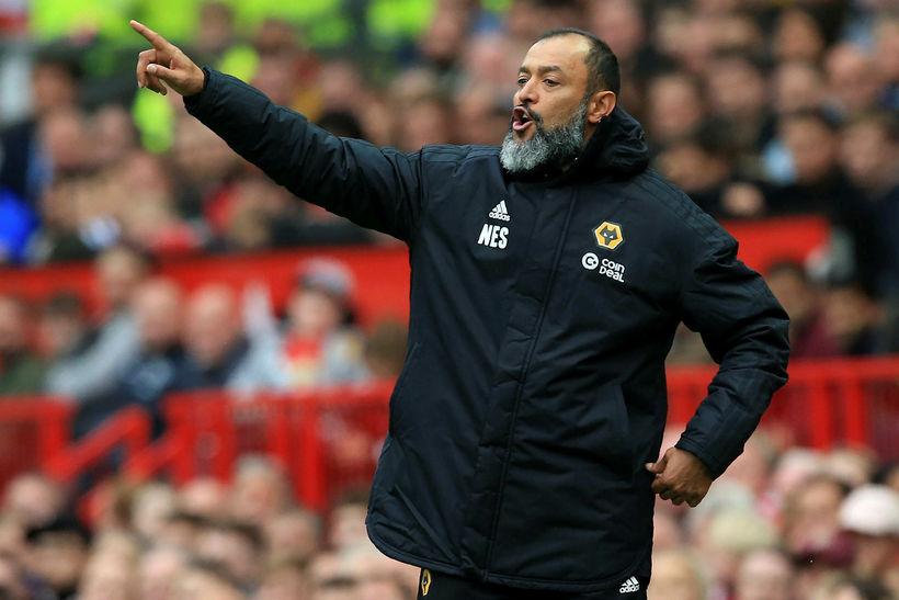 Nuno Santo stýrir sínum mönnum á Old Trafford.