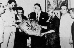 Yasser Arafat, þriðji frá hægri, ásamt Gamel Abdel Nasser, forseta …