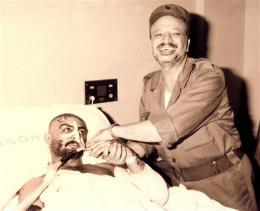 Mynd sem heimastjórn Palestínumanna sendi frá sér og sýnir Arafat …
