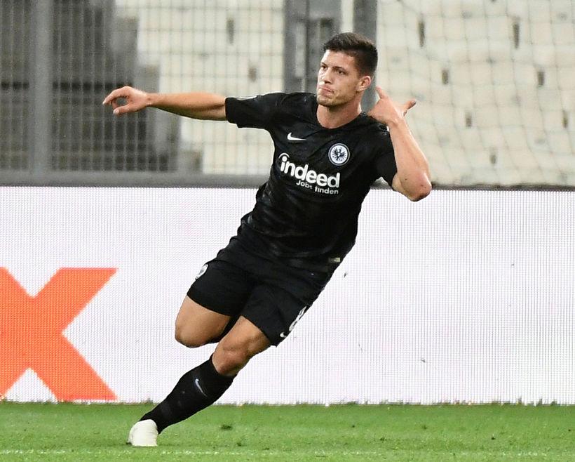 Luka Jovic fagnar marki fyrir Eintracht Frankfurt.
