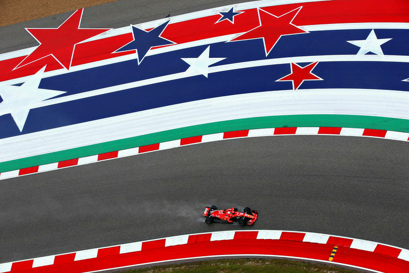 Sebastian Vettel í brautinni í Austin í gær en þá ...
