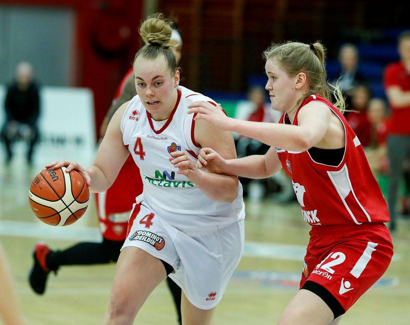 Helena Sverrisdóttir.
