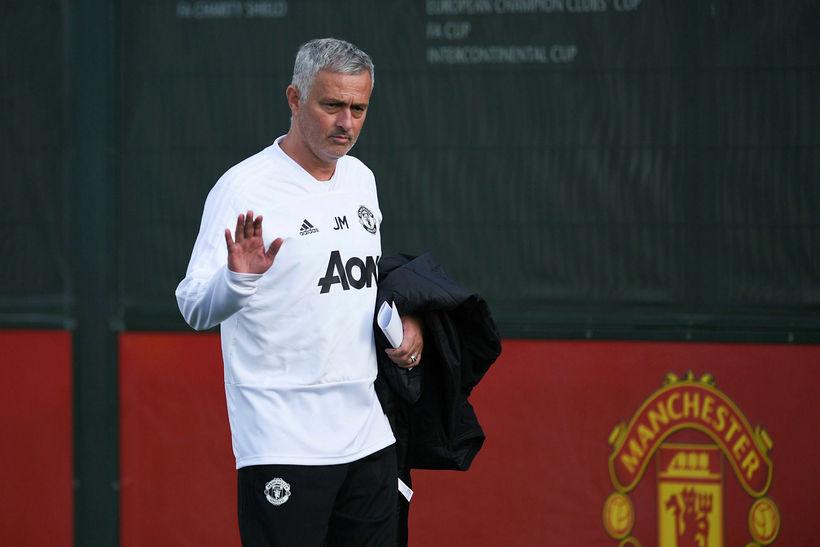 José Mourinho á æfingasvæði United í morgun.