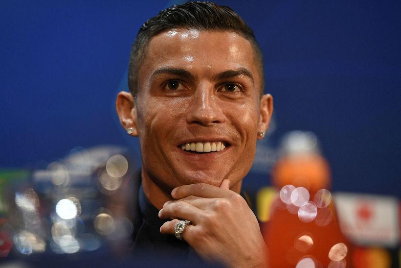 Cristiano Ronaldo á fréttamannafundinum á Old Trafford nú síðdegis.