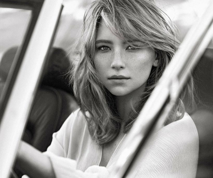 Ameríska leikkonan Haley Bennett er andlit Chloé Absolu de Parfum.