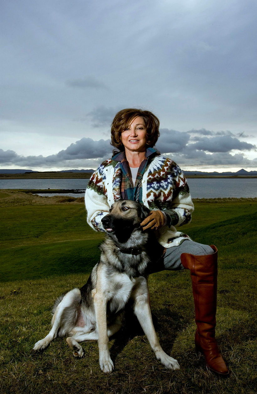 Former First Lady Dorrit Moussaieff with former First Dog Sámur, ...