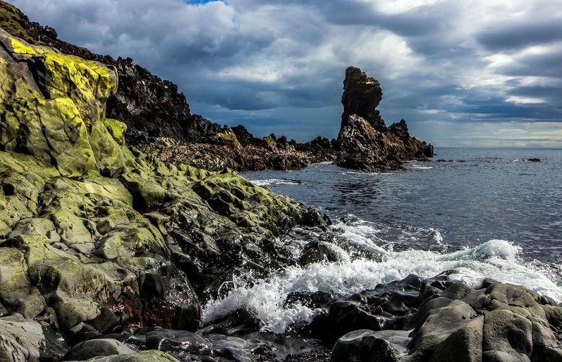Frá Djúpalónssandi á vesturströnd Snæfellsness, þar sem sjá má stórbrotna ...