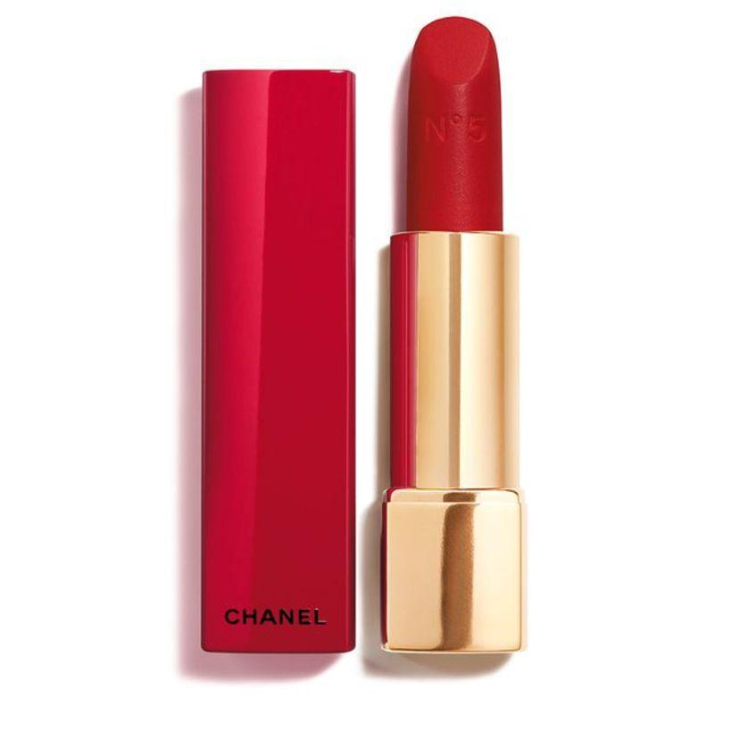Chanel Chanel N°5-varaliturinn væri flottur með rauðri ilmvatnsflöskunni.