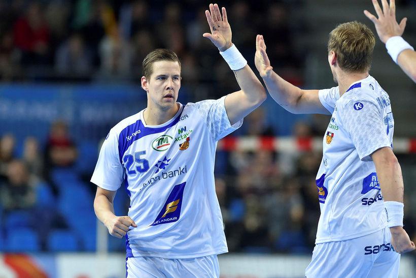 Bjarki Már Elísson og Janus Daði Smárason mætast í EHF-bikarnum.