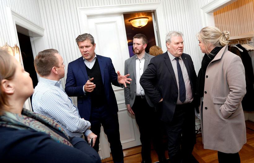 Fulltrúar ríkisstjórnar Íslands og heildarsamtaka á vinnumarkaði voru á meðal ...