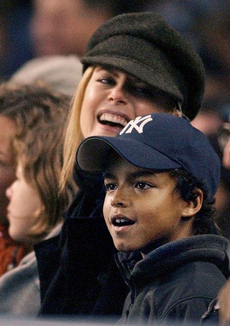 Nicole Kidman með syni sínum Connor árið 2003.