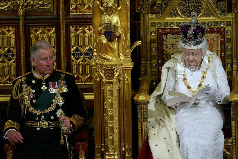 Karl Bretaprins og Elísabet drottning.
