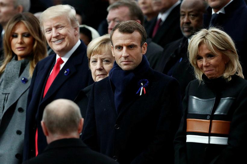Brigitte Macron var í flottri yfirhöfn á meðan Melania Trump …