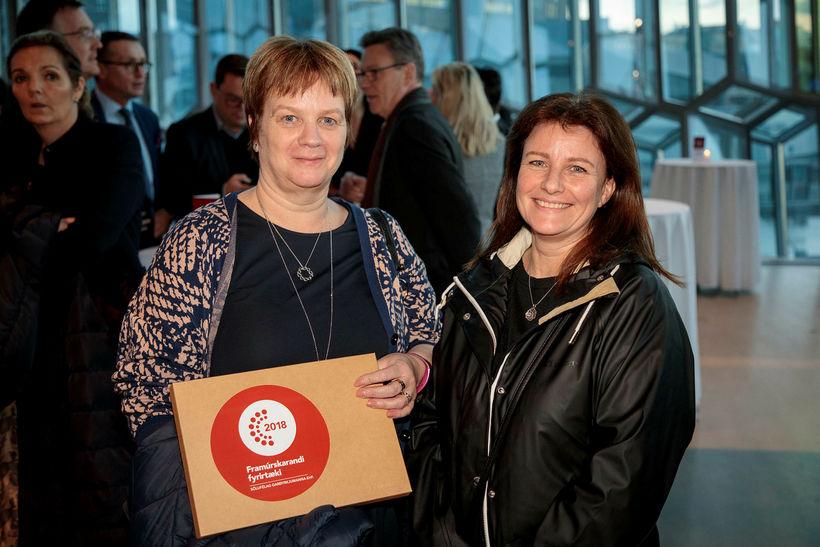 Jóna Björgvinsdóttir og Kristín Linda Sveinsdóttir frá Sölufélagi grænmetisbænda.