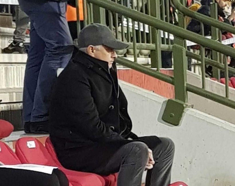 José Mourinho fylgist með leik Belga og Íslendinga í gærkvöld.