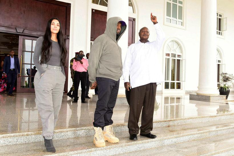 Kim Kardashian, Kanye West og forseti Úganda Yoweri Museveni.