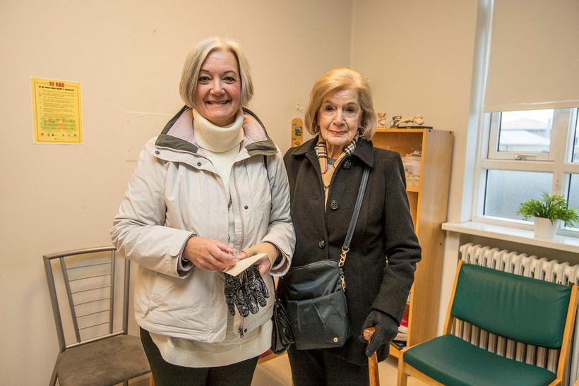 Þær Ellen og Anne Claire Wilson heimsóttu Heilbrigðisstofnun Suðurnesja í ...