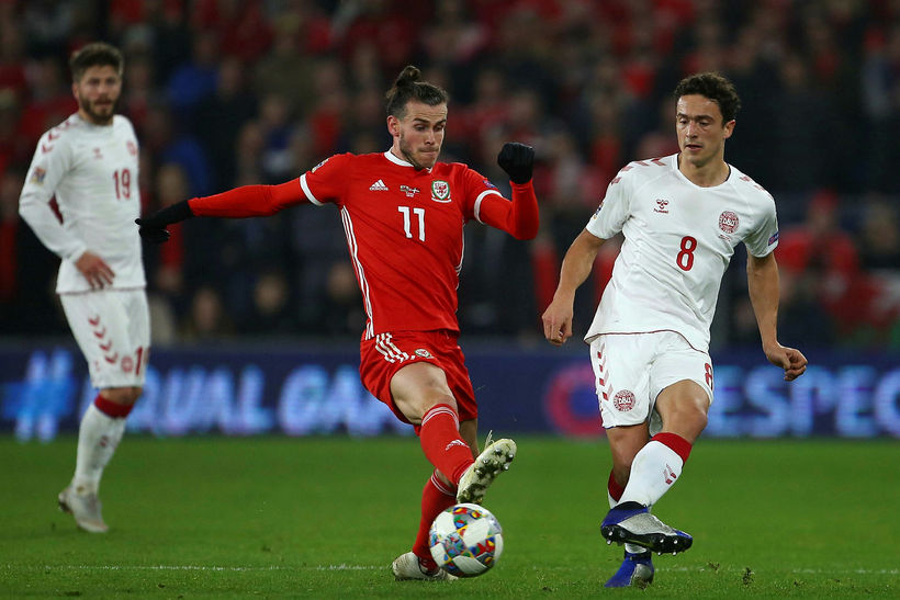 Gareth Bale frá Wales og Thomas Delaney frá Danmörku geta ...