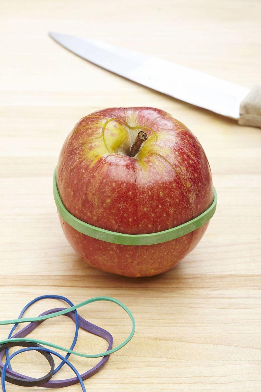 Teygjutrixið er að virka vel á niðurskorin epli.