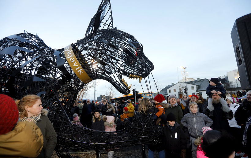 The yule cat before being lit.
