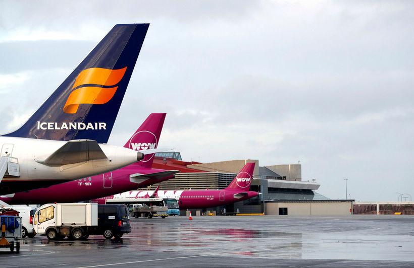 Farþegum Icelandair fjölgar á milli ára en farþegum WOW air ...