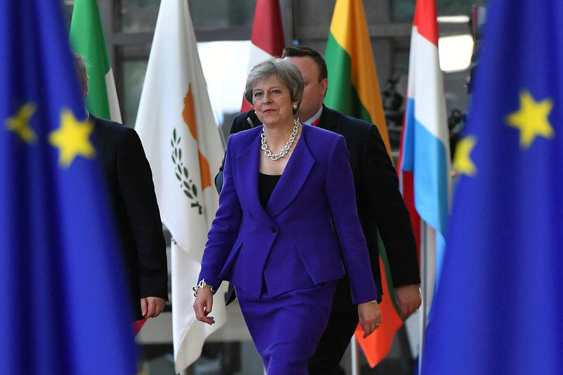 Theresa May, forsætisráðherra Bretlands, segir að enn sé stefnt að ...