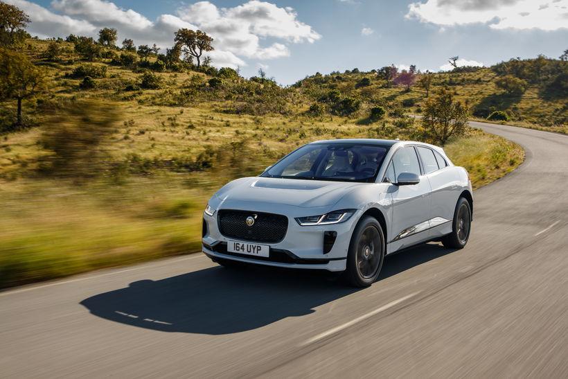 Jaguar I-Pace er rafbíll ársins að mati bílaþáttarins Top Gear.