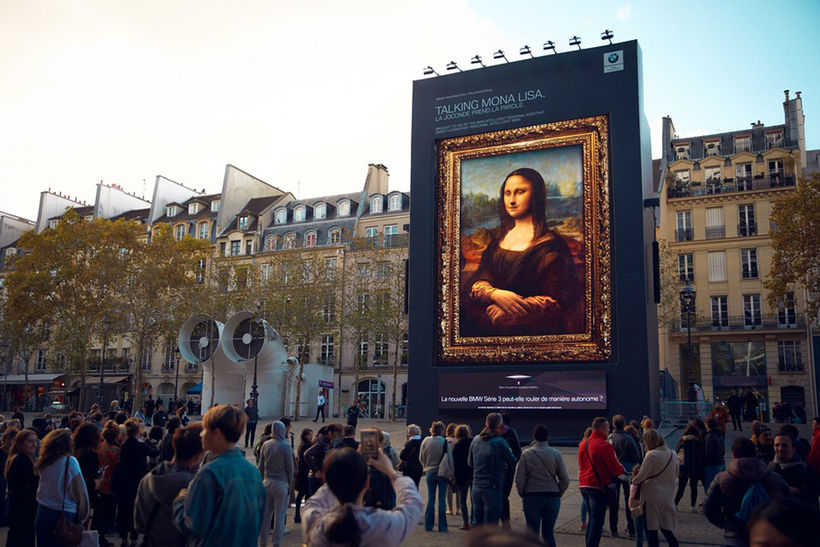 Mona Lisa vakti athygli á alþjóðlegu bílasýningunni í París á ...
