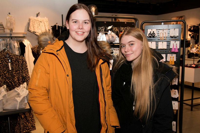 Agnes Lilja Jóakimsdóttir og Svanhildur Sól Hjálmarsdóttir.