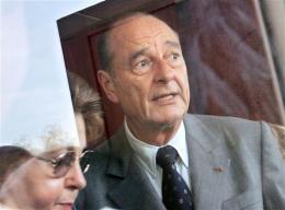Jacques Chirac, forseti Frakklands, greiddi atkvæði Í Sarran í suðvesturhluta …