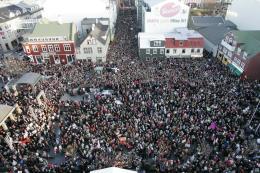 Sjálfsagt voru mæður í þúsundatali í miðbæ Reykjavíkur í gær.