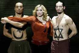 Madonna á tónleikum sem hún hélt nýverið í Róm á ...