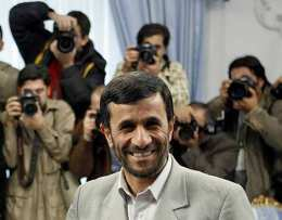 Mahmoud Ahmadinejad, forseti Írans, er hvergi banginn.