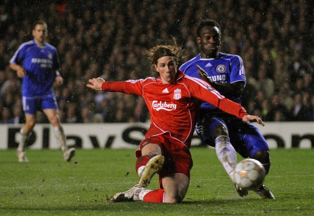 Fernando Torres jafnar fyrir Liverpool.
