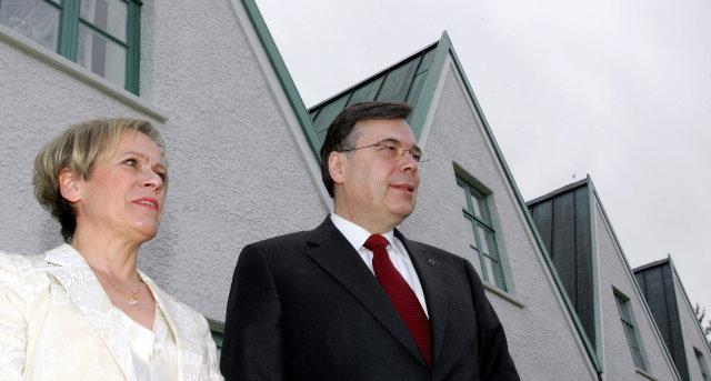 Ingibjörg Sólrún Gísladóttir og Geir H. Haarde á Þingvöllum fyrir ...