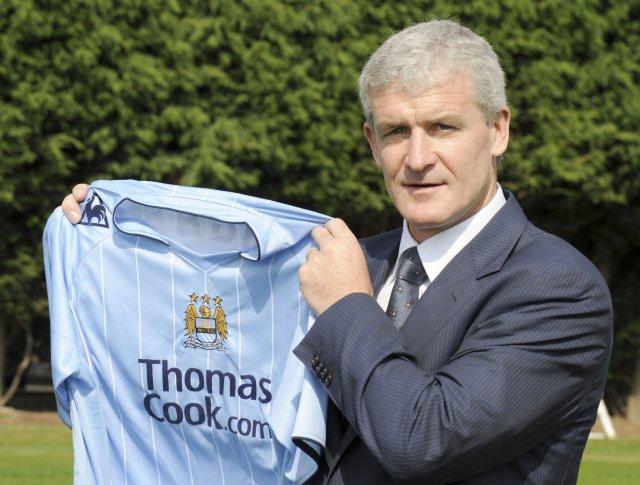 Fyrsti opinberi leikur Mark Hughes með lið Manchester City gæti ...